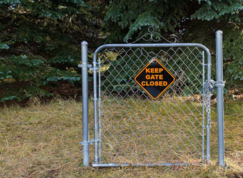 Keep_Gate_Closed_mt2ri_Flickr