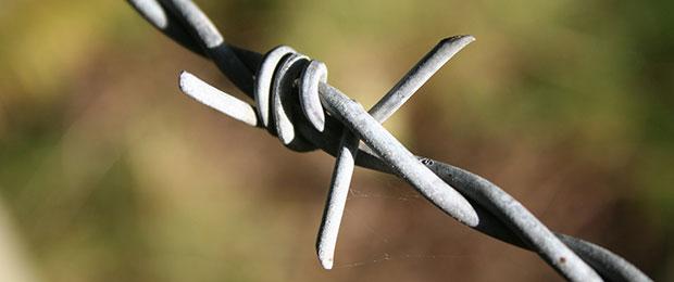 Barbed_wire_Richard_Leonard_Flickr