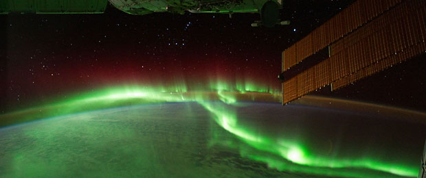 Image: CC BY 2.0 NASA's Earth Observatory via Wikimedia Commons  http://commons.wikimedia.org/wiki/File:Southern_Lights.jpg#mediaviewer/File:Southern_Lights.jpg