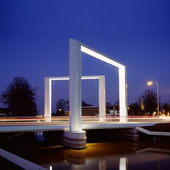 350px-Dolderbrug_Steenwijk_inclusief_lichtontwerp