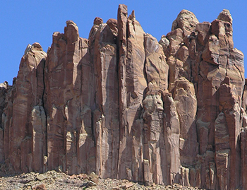 350px-Wingate_Sandstone_capping_The_Castle_in_Capitol_Reef_NP